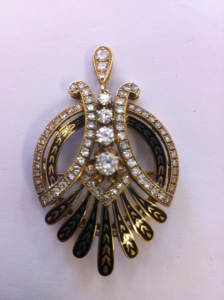 Buyers and sellers of estate jewelry, vintage jewelry and antique jewelry.